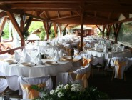 Kihelyezett esküvő