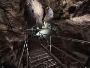 Brigi és Ádám esküvői szertartása a Pál-völgyi-barlangban